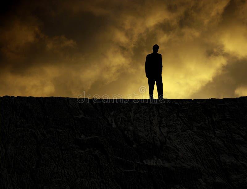 Mann auf einem Berg lizenzfreie stockbilder
