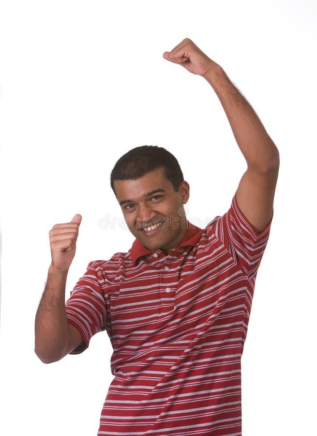Mann, der Arme glücklich und angehoben worden sein würden lizenzfreies stockfoto