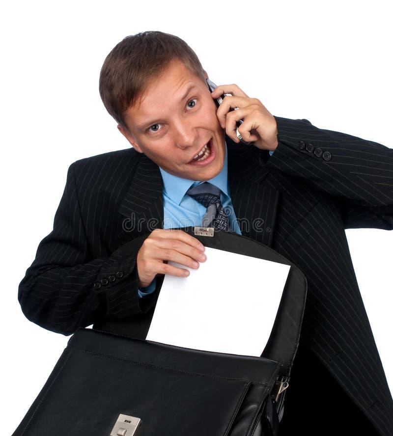 Mann, der auf Handy spricht lizenzfreie stockbilder