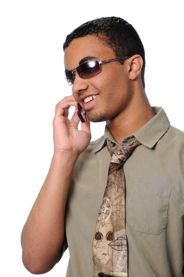 Mann, der auf Handy spricht stockbilder