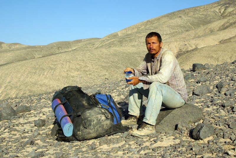 Mann in der Expedition stockbild