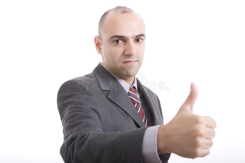 Mann, der Geste vom O.K. bildet lizenzfreies stockfoto