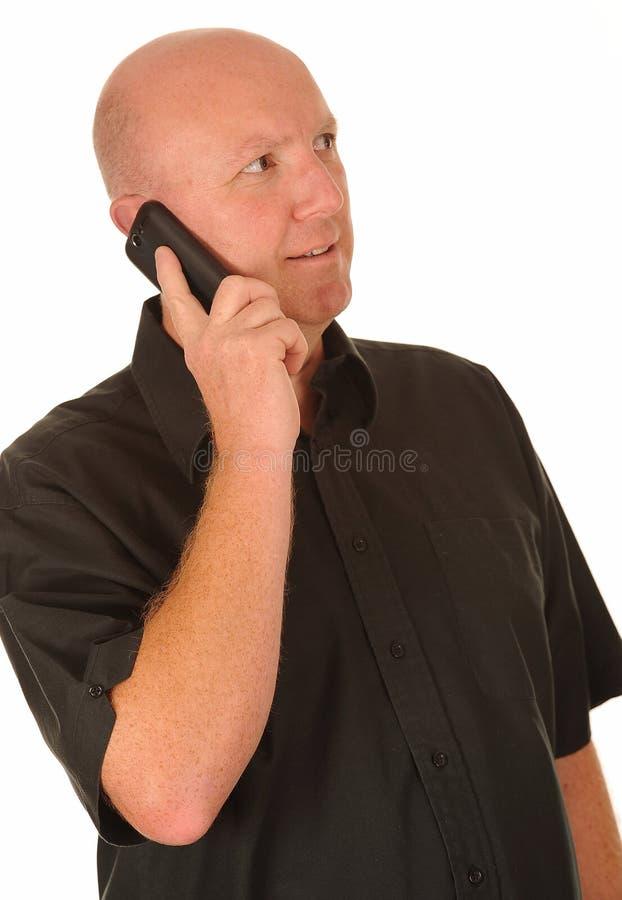 Download Mann, der Handy verwendet stockbild. Bild von instrument - 26363631