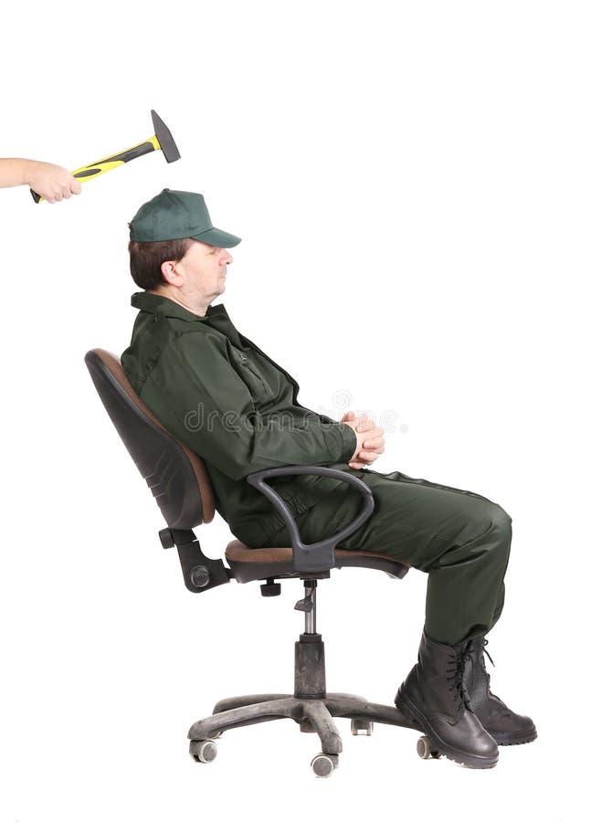Schwarzer Mann Der Auf Stuhl Sitzt Stockbild Bild Von