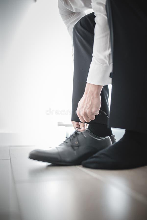 Mann in der Klage stockfotografie