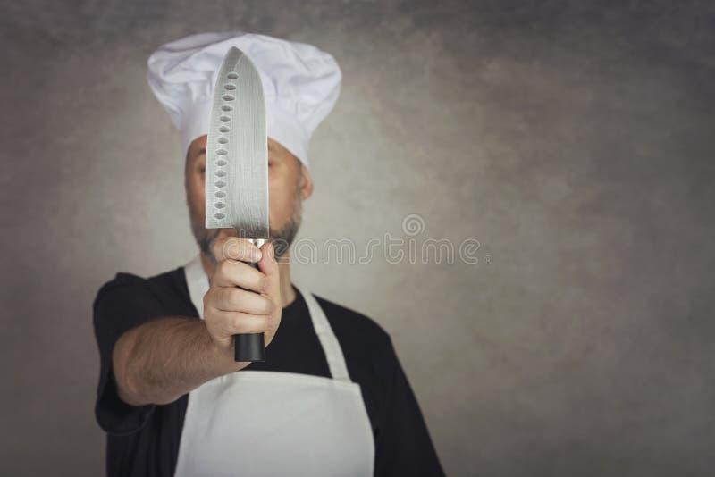 Mann, der Messer hält lizenzfreies stockbild