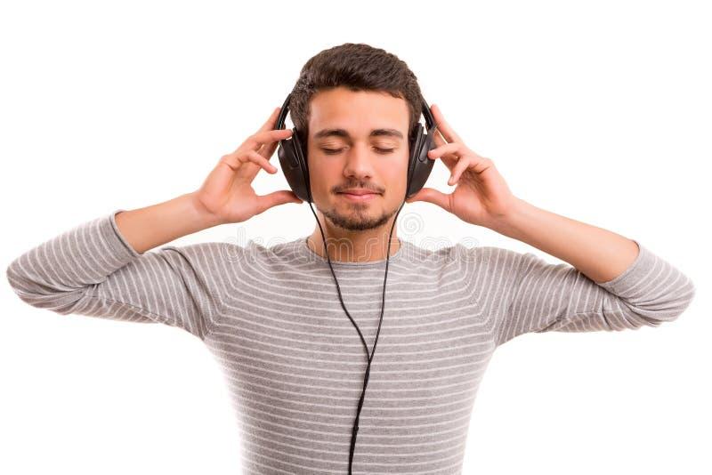 Mann, der Musik hört stockfotos