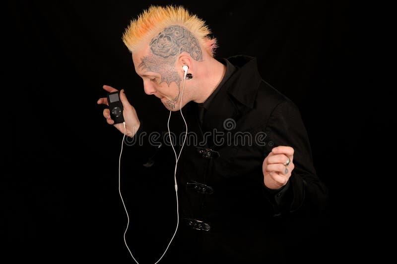 Mann, der Musik hört stockbilder