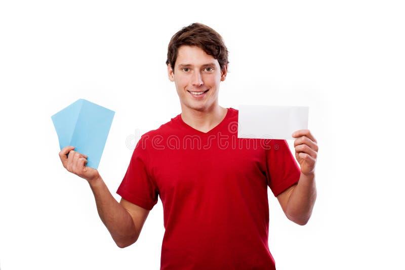 Mann in der roten haltenen Karte für Ihren eigenen Text lizenzfreie stockbilder