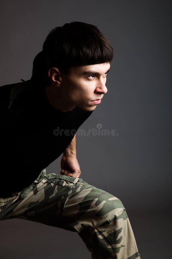 Mann in der Uniform stockfoto