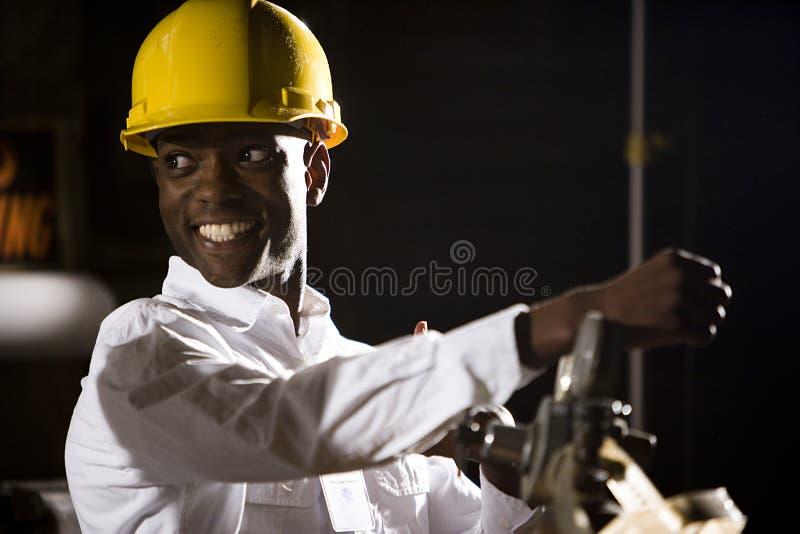 Mann in einem Hardhat stockbilder