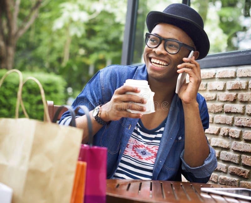 Mann-Einkaufsausgaben-Kunden-Verbraucherschutzbewegungs-Konzept lizenzfreie stockfotos