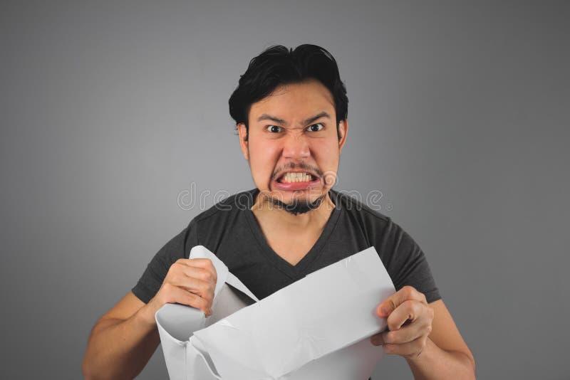 Mann empfing seinen Kasten stockbilder