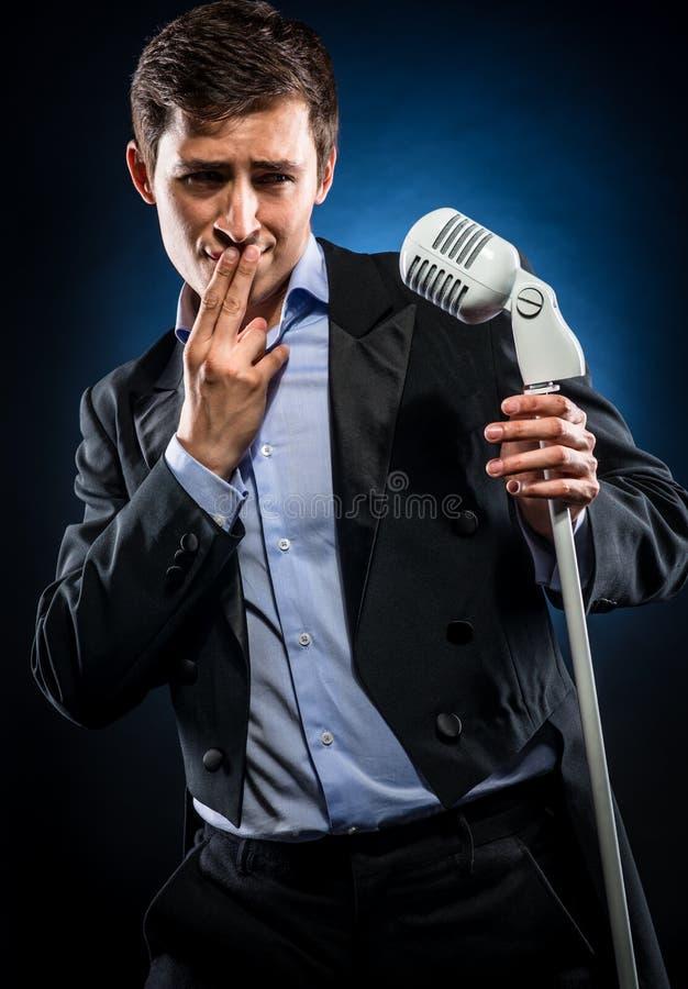 Mann-Gesang stockfoto