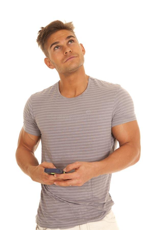 Mann gestreifter grauer Hemdtext schauen oben stockbild