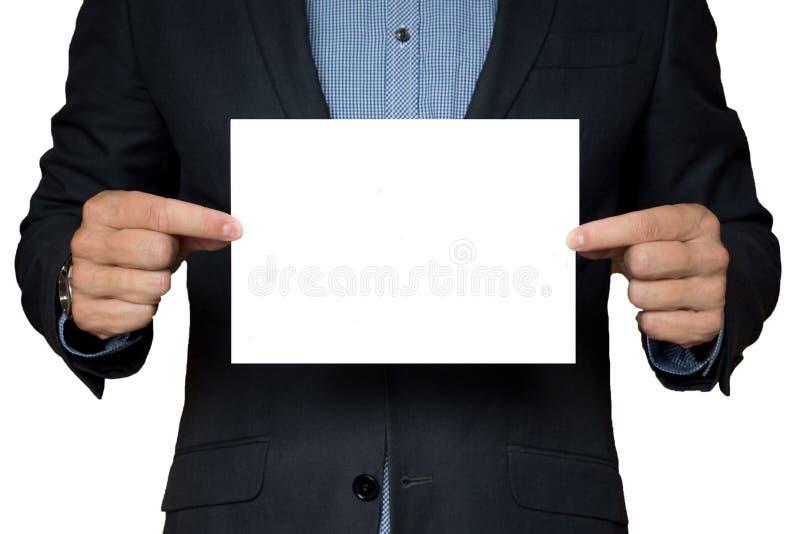 Mann hält Werbungsblatt Geschäftsmann bietet Waren an Anzeigenvertreter bietet Dienstleistungen an lizenzfreie stockfotografie
