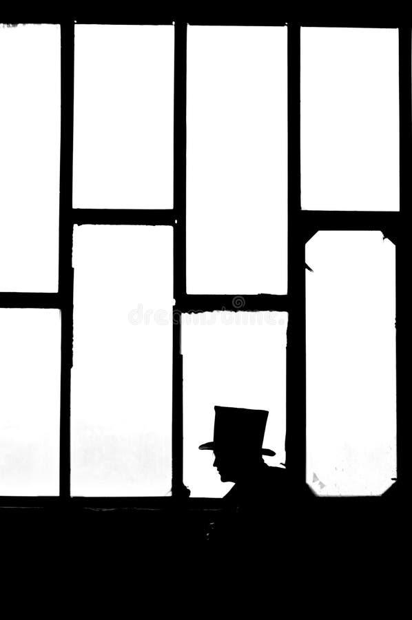 Mann im Schwarzen lizenzfreie stockfotografie