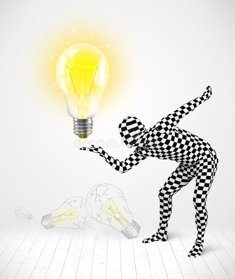 Mann im vollen Körper mit glühender Glühlampe lizenzfreie abbildung