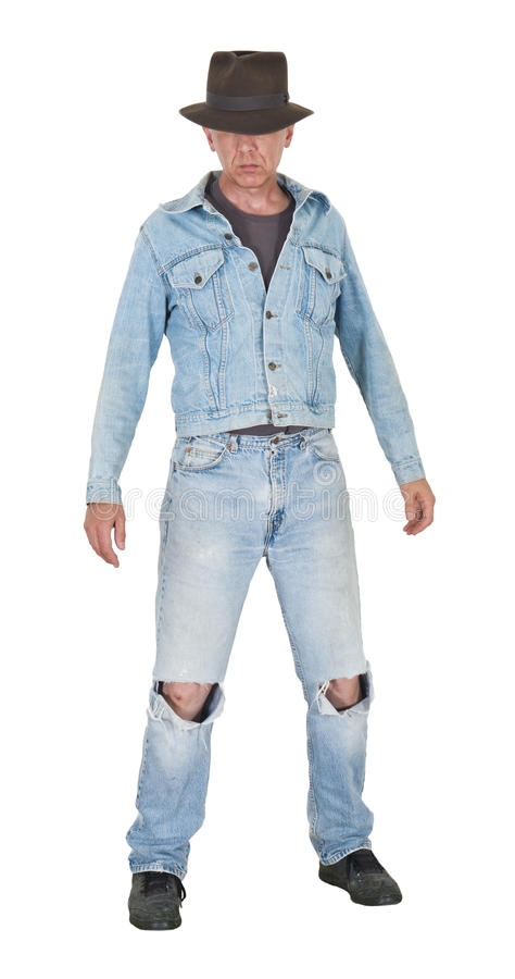 Mann-Jungeen-Geck, der die alte Kleidung getrennt trägt stockfoto