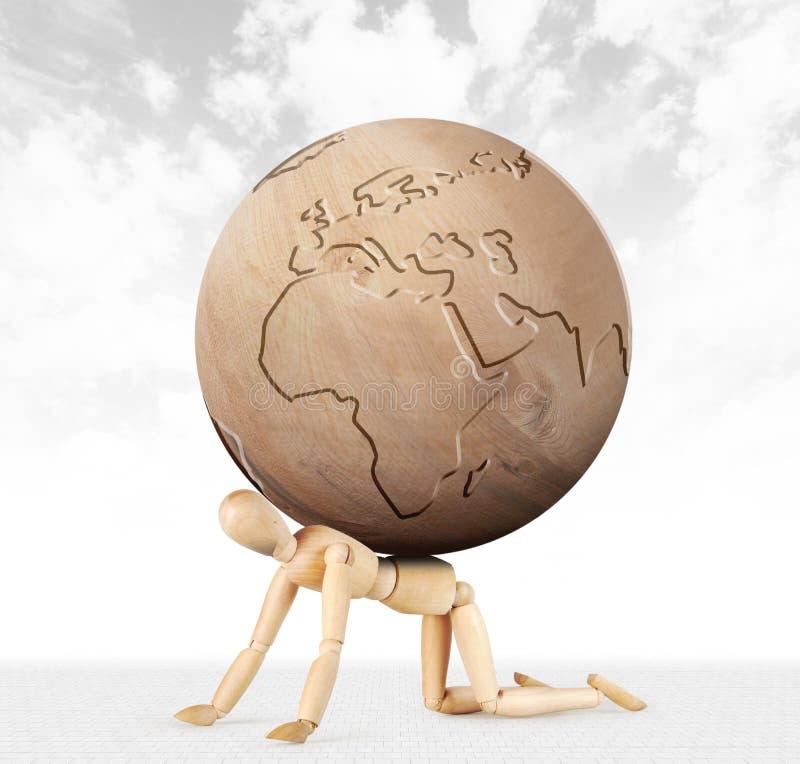 Mann kriecht auf seine Knie mit Schwierigkeit und auf seinen zurück ist die Erde lizenzfreie abbildung