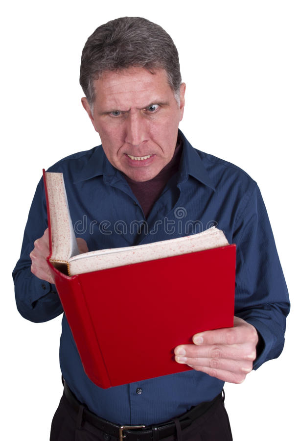 Mann-Lesebuch-wütendes verärgertes getrennt auf Weiß stockfoto