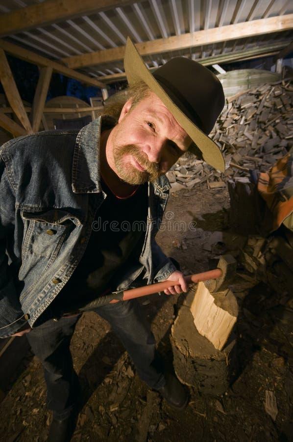 Mann mit Axt stockbilder