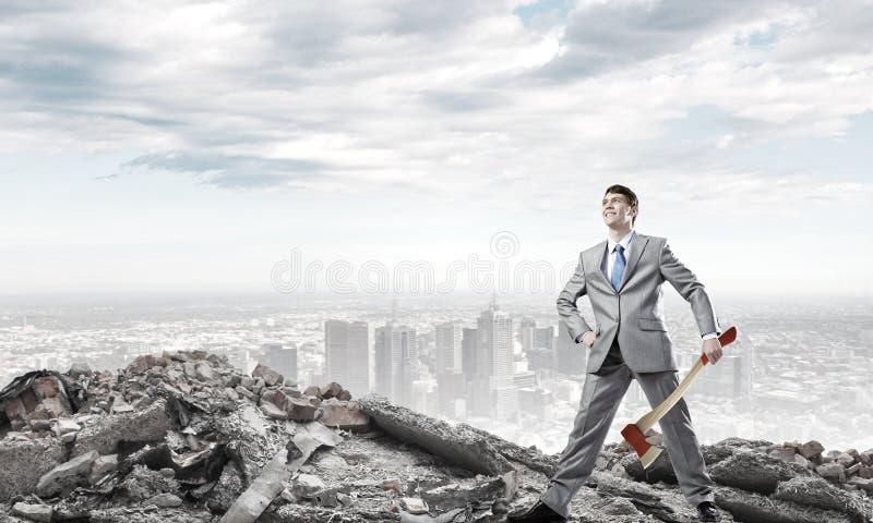 Mann mit Axt lizenzfreie stockfotos