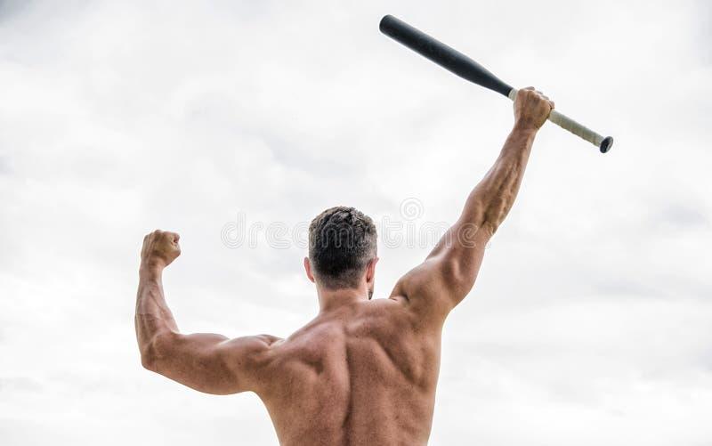 Mann mit Baseballschl?ger Einfach der beste muskul?se hintere Mann lokalisiert auf Wei? Aufstellung in der Turnhalle kriminell Ro lizenzfreies stockfoto