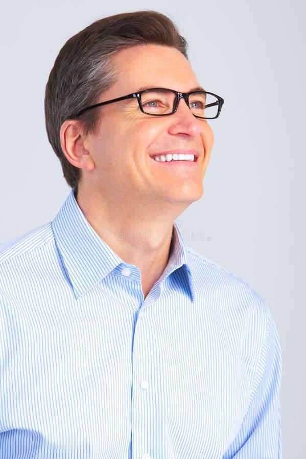 Mann mit Brillen lizenzfreie stockfotos