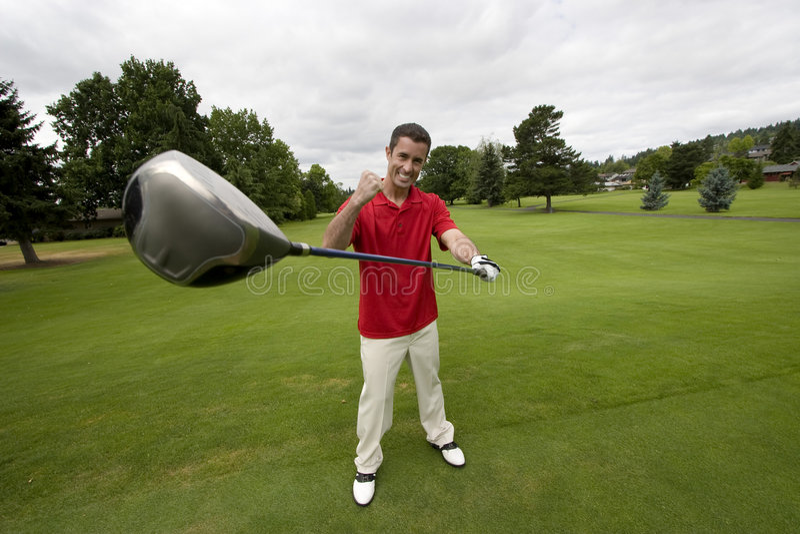 Mann mit dem Golfclub - horizontal stockfoto