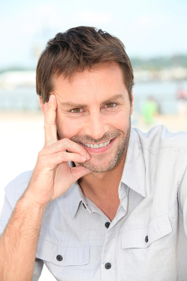 Mann Mit Einem Bart Stockfotos