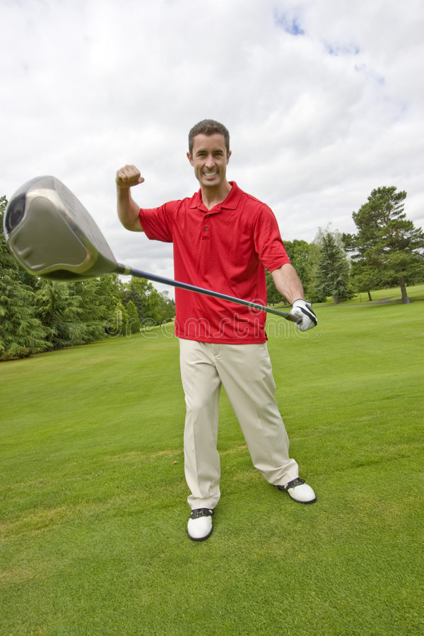 Mann mit Golfclub - Vertikale lizenzfreie stockfotos