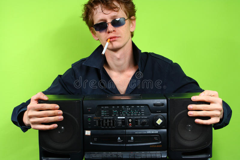 Mann mit stereotape lizenzfreie stockfotografie