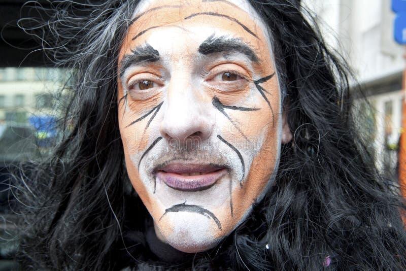 Mann tragendes facepaint, Belgien lizenzfreies stockbild