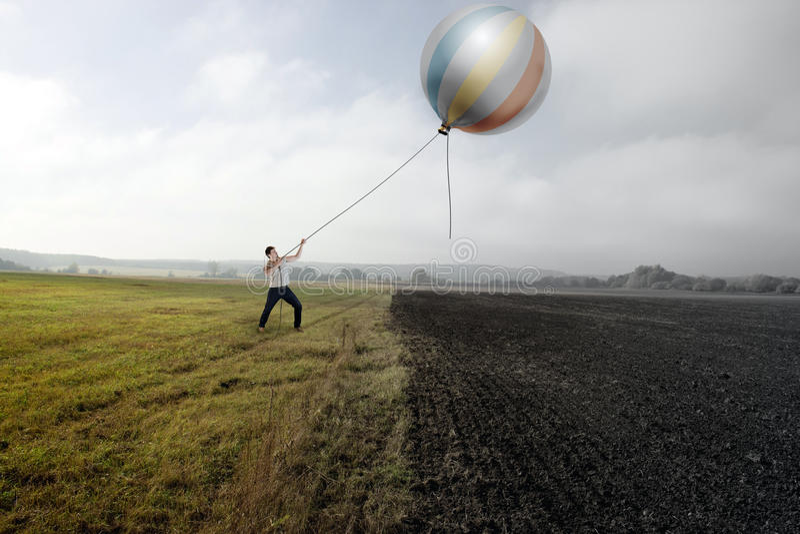 Mann und Ballon stockfoto