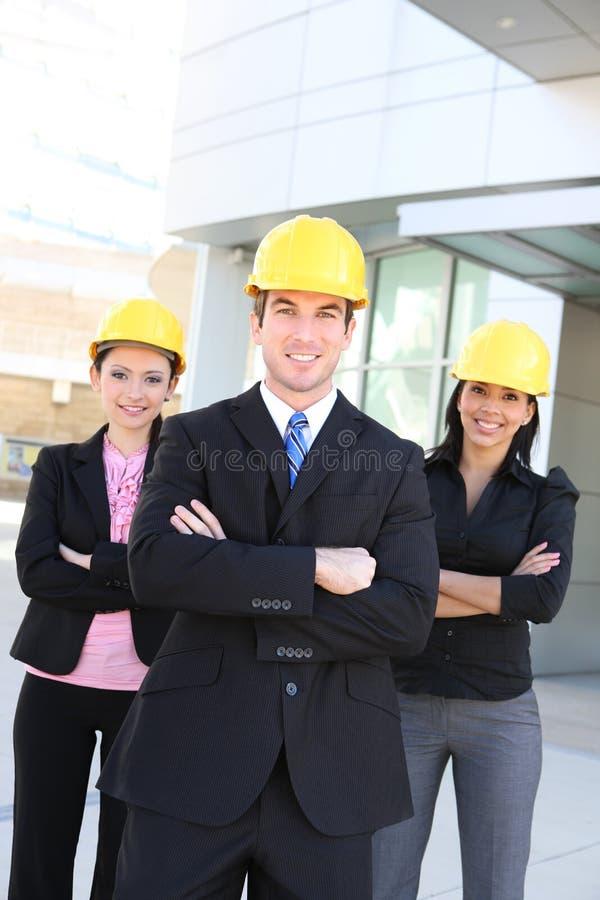Mann-und Frauen-Architekten-Team lizenzfreie stockfotos