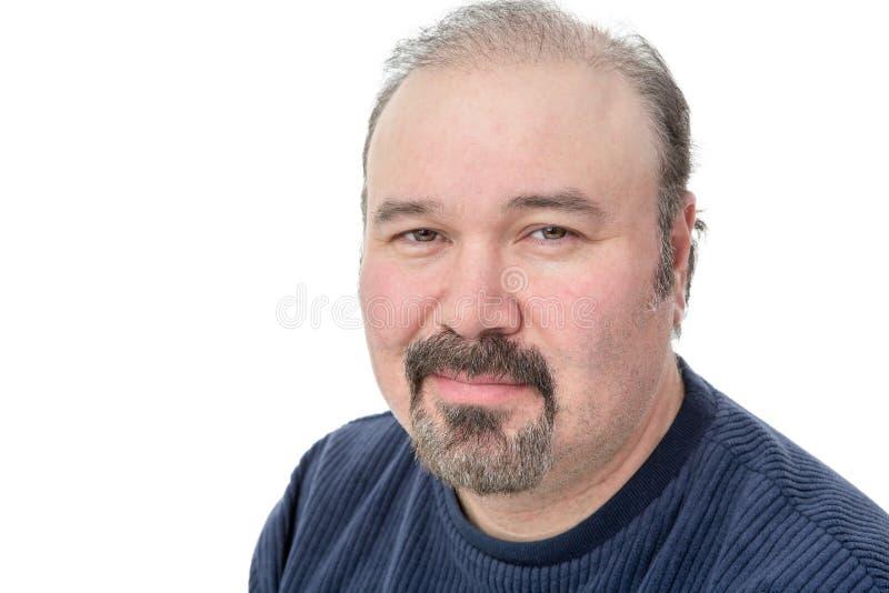Mann von mittlerem Alter mit einem spekulativen Blick stockfoto