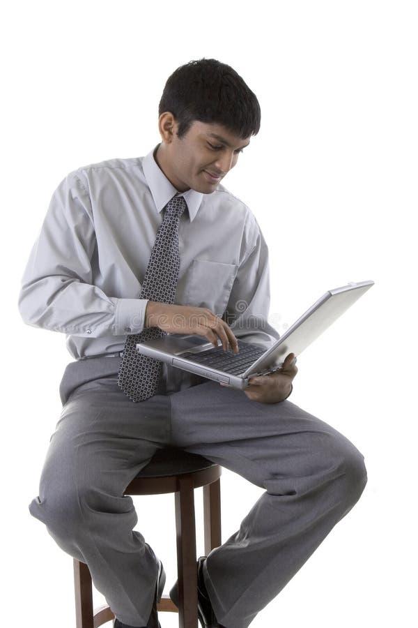 Mannelijk Model met laptop royalty-vrije stock fotografie