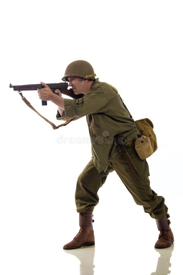 Mannelijke acteur in militaire eenvormig van een Amerikaanse Marine van de Tweede Wereldoorlogperiode royalty-vrije stock afbeelding