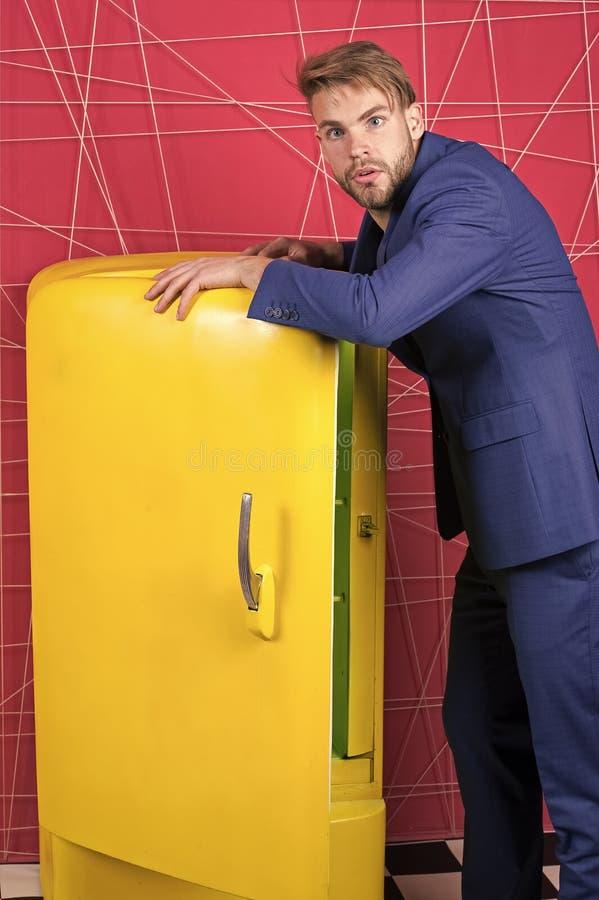 Mannelijke formele manier Zekere zakenman in kostuum sexy mens in modieus jasje Zakenman ??n Ernstige Mens 13 Voel royalty-vrije stock afbeelding