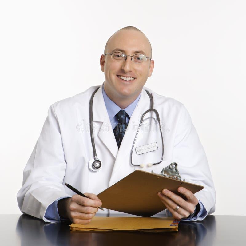 Mannelijke Kaukasische arts. royalty-vrije stock afbeeldingen