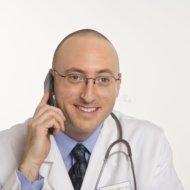Mannelijke Kaukasische arts. stock afbeelding