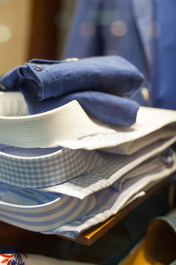 Mannelijke overhemd en stropdas stock fotografie