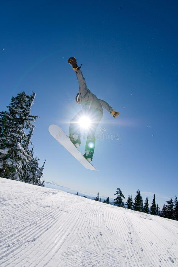 Mannelijke Snowboarder vangt Grote Lucht. royalty-vrije stock fotografie