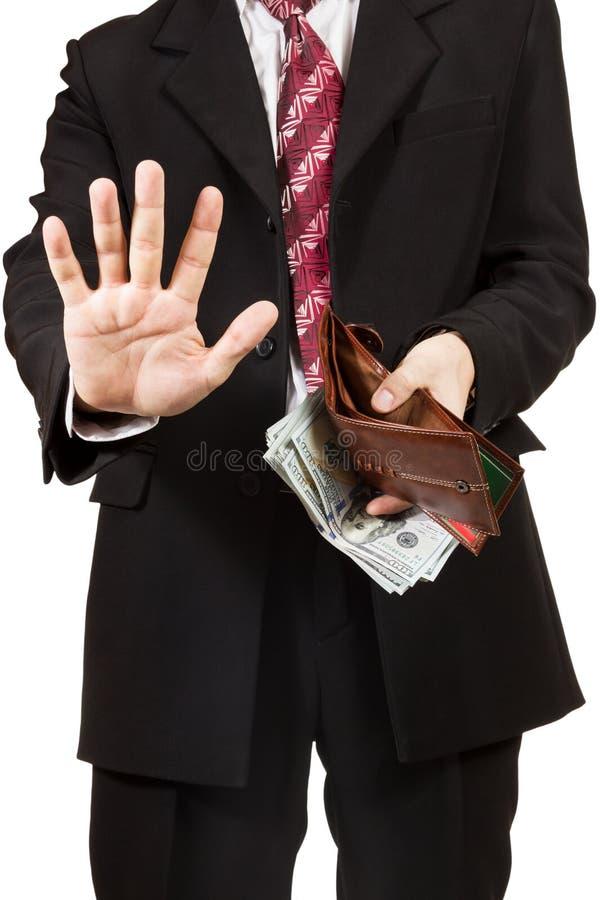 Mannen tog ut pengarna från hennes handväska royaltyfria bilder