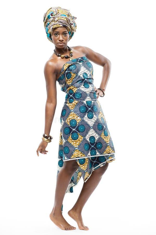Mannequin africain sur le fond blanc. photo stock