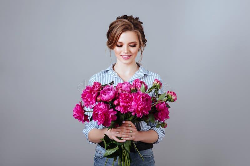 Mannequin avec des fleurs images libres de droits