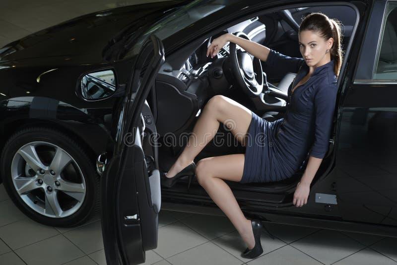 Mannequin in de auto stock fotografie