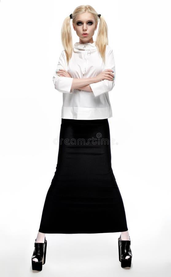 Download Mannequin In Moderne Uitrusting Stock Foto - Afbeelding bestaande uit stijl, wijfje: 54080746