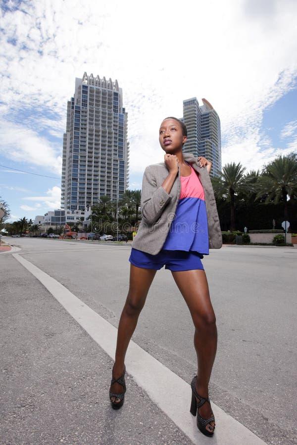 Mannequin sur les rues photographie stock libre de droits